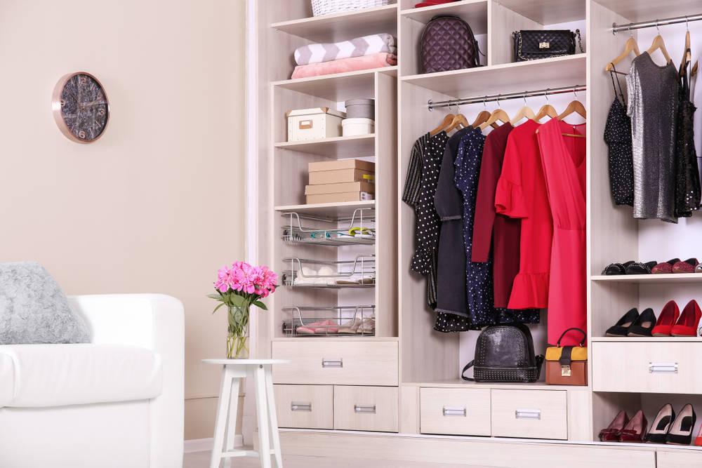 Cómo organizar correctamente tu armario ropero